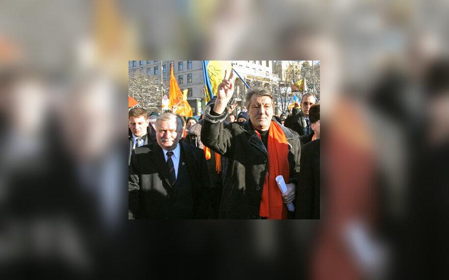 Ukrainos opozicijos lyderis Viktoras Juščenko ketvirtadienio rytą susitiko su buvusiu Lenkijos prezidentu Lechu Walęsa