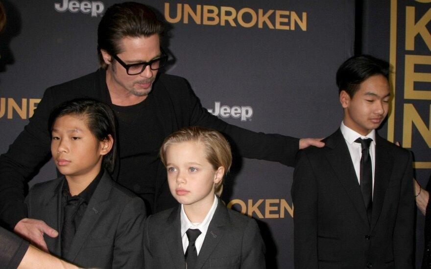 Старший сын Джоли не считает Брэда Питта отцом