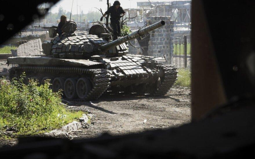 СМИ: из России на Донбасс зашли три колонны военной техники