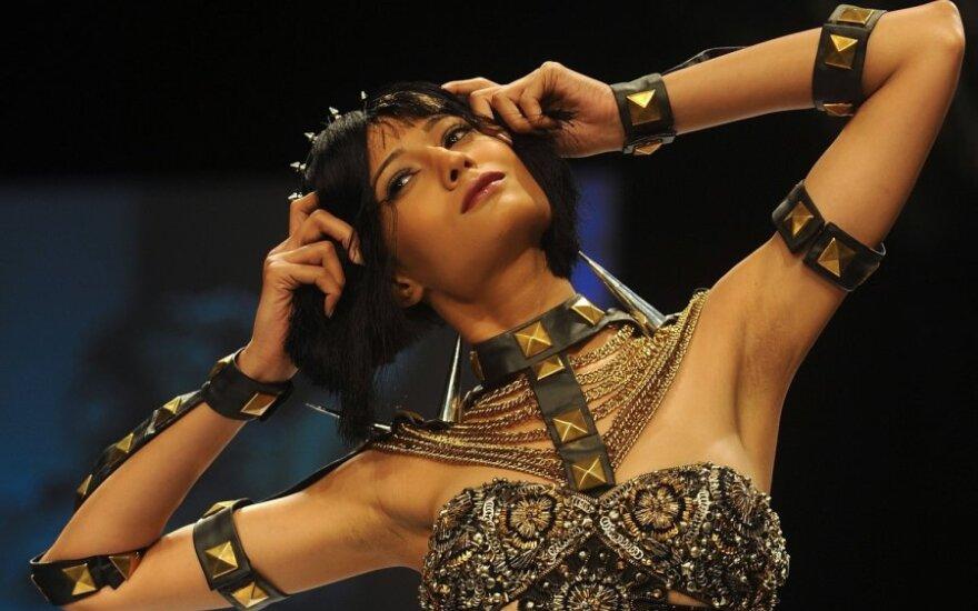 Индийские красавицы представили последний писк моды