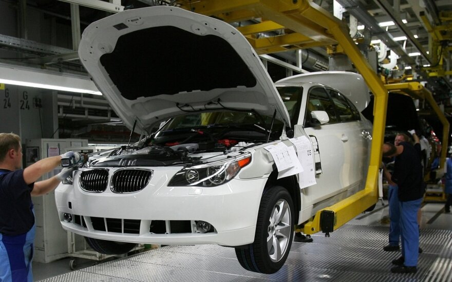 """BMW"" gamykla"
