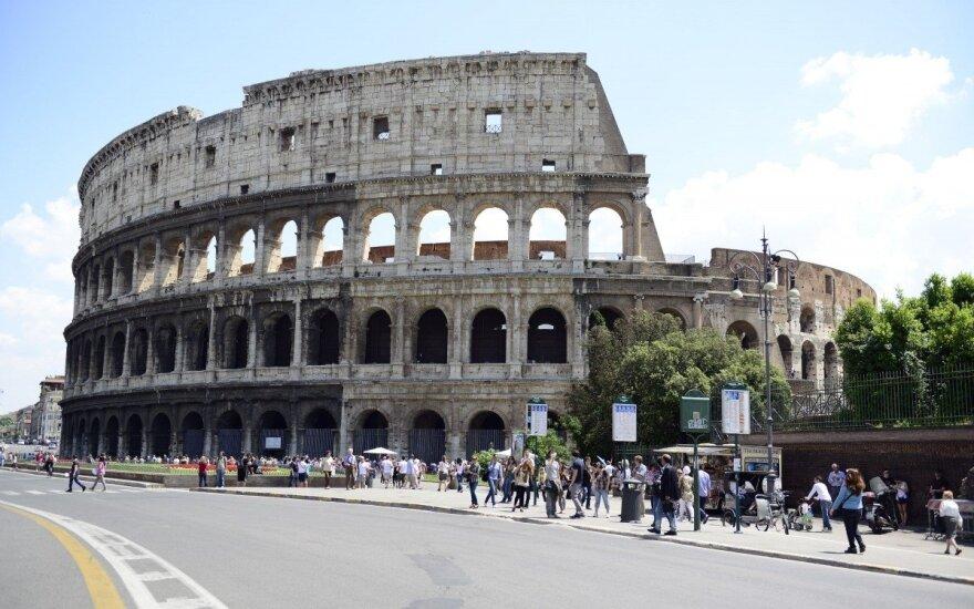 """Absurdy UE: """"Freedom of panorama"""", czyli zakaz fotografowania atrakcji turystycznych"""