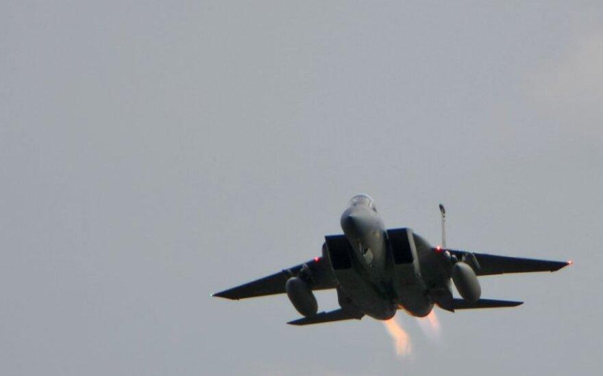 Министр: истребители НАТО должны вечно летать над Латвией
