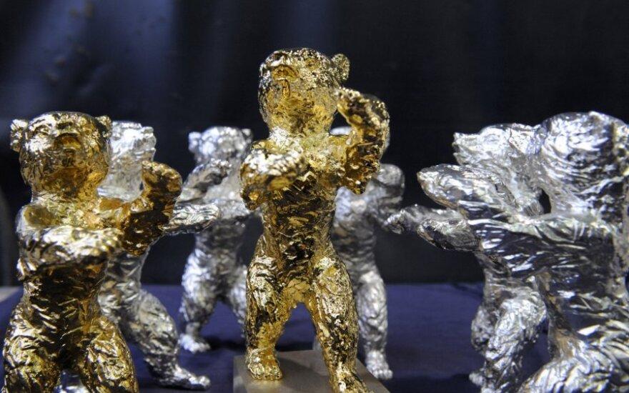 """Berlyne prasidėjusio tradicinio filmų festivalio """"Berlinalės"""" apdovanojimai: sidabriniai ir auksiniai lokiai"""