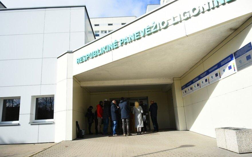 Паневежская больница делится хорошей новостью: первые тесты врачей отрицательные