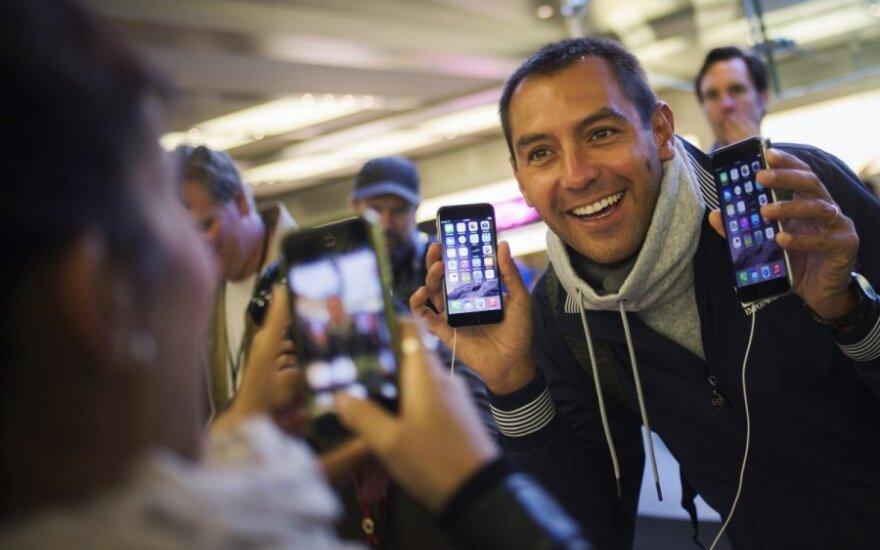 IPhone 6 в Литве еще нет, но его уже сметают с прилавков