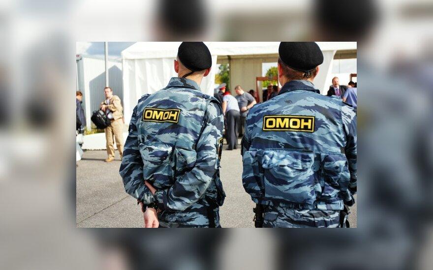 ОМОНовцы пожаловались Медведеву на жизнь
