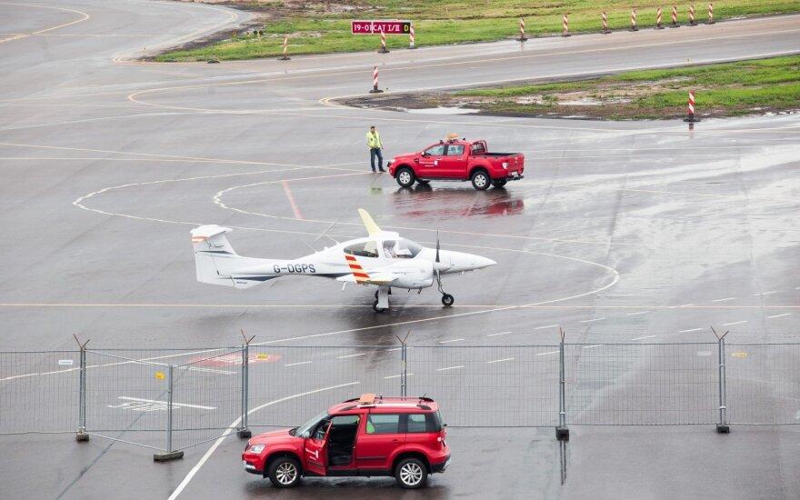 В Вильнюсском аэропорту совершил посадку специальный испытательный самолет