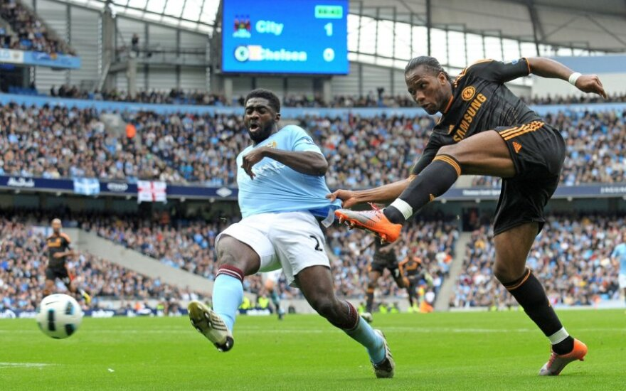"Kolo Toure (""Manchester City"") ir Didier Drogba (""Chelsea"")"