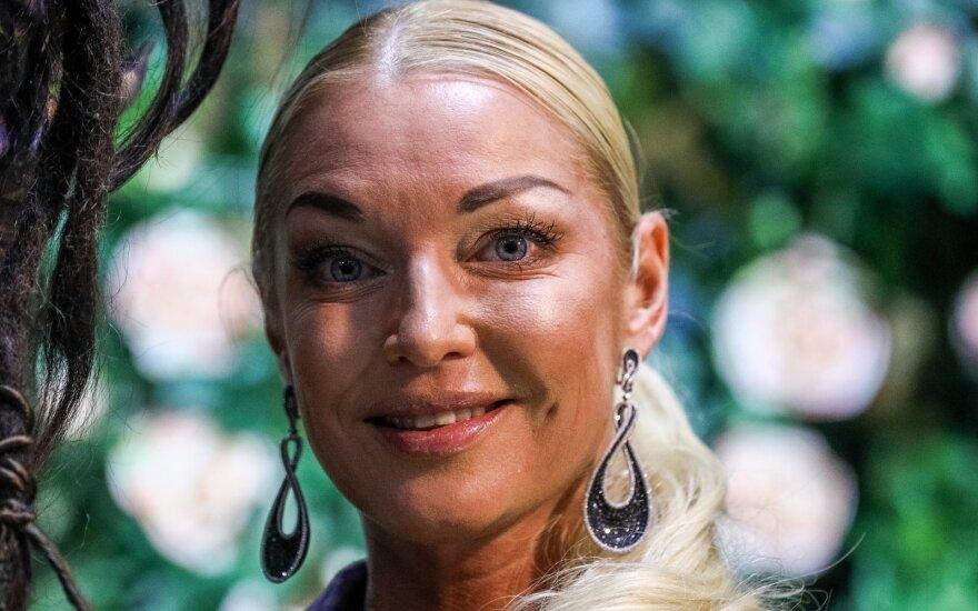 Бывший ухажер Волочковой вышел из тюрьмы и потребовал у нее 1,5 миллиона евро