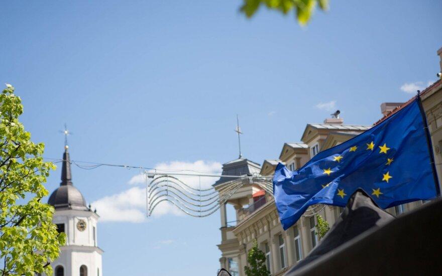Литовцы доверяют ЕС больше жителей других стран