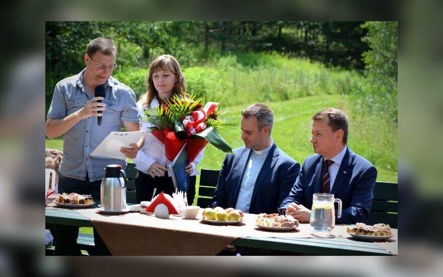 Spotkanie Ministra Mariusza Błaszczaka z Polakami ewakuowanymi z Mariupola w Rybakach. Foto: MSW RP