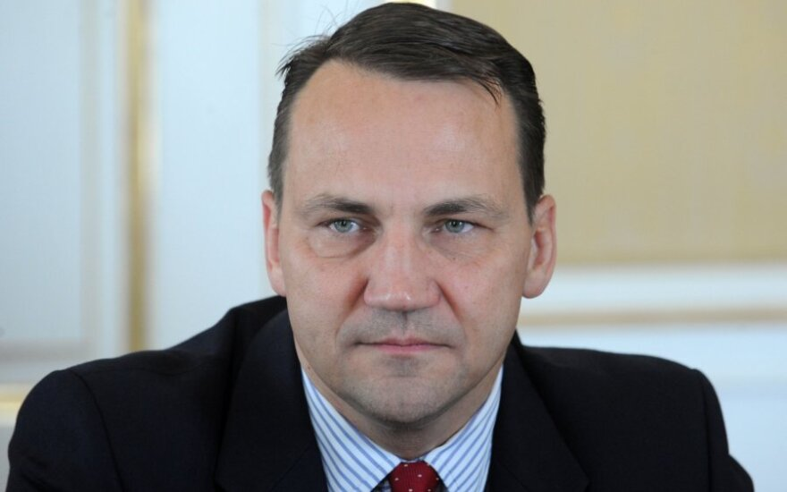 Sikorski: Litwa powinna dokonać wyboru między budową terminalu a gazociągu