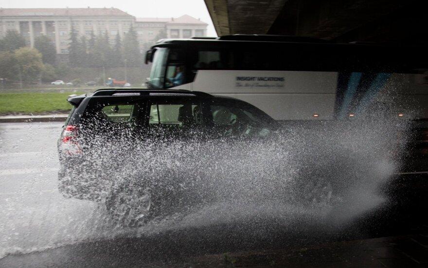 Прогноз синоптиков сбывается: в Литве идут ливневые дожди