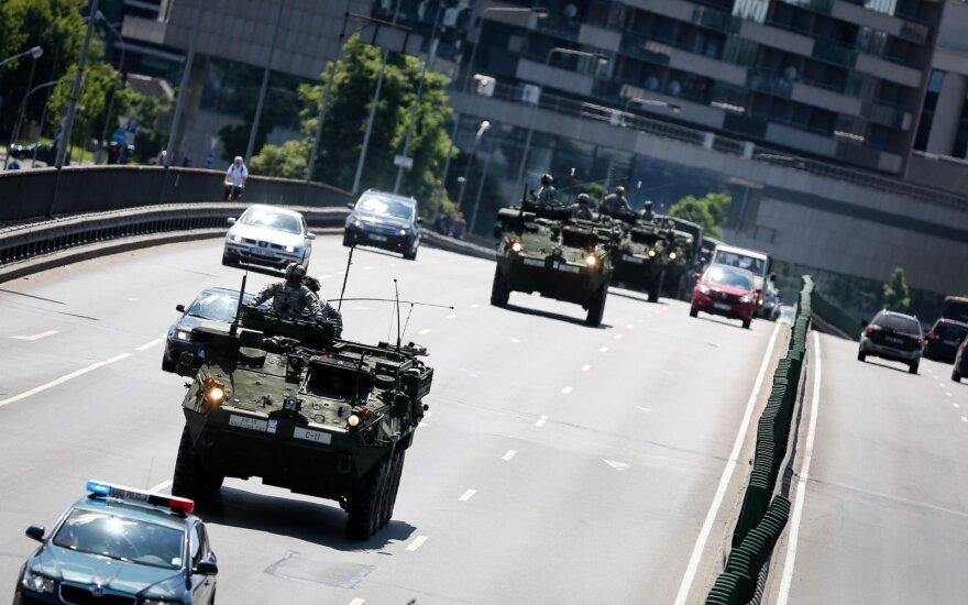 По случаю столетия литовской армии – парад в Вильнюсе
