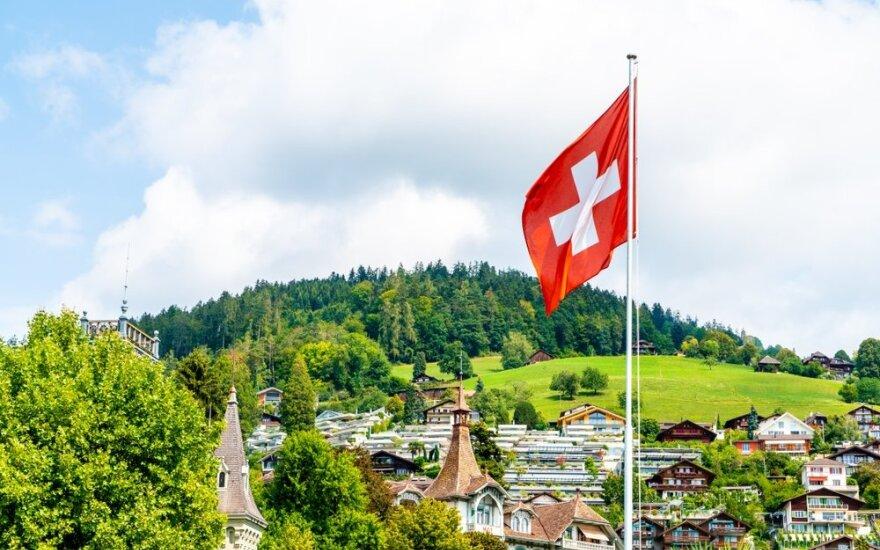 Šveicarijos miestelį dėl gedimo šokolado fabrike padengė kakavos dulkės