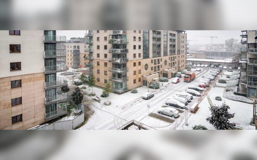 Польшу накрыло снегом: есть жертвы