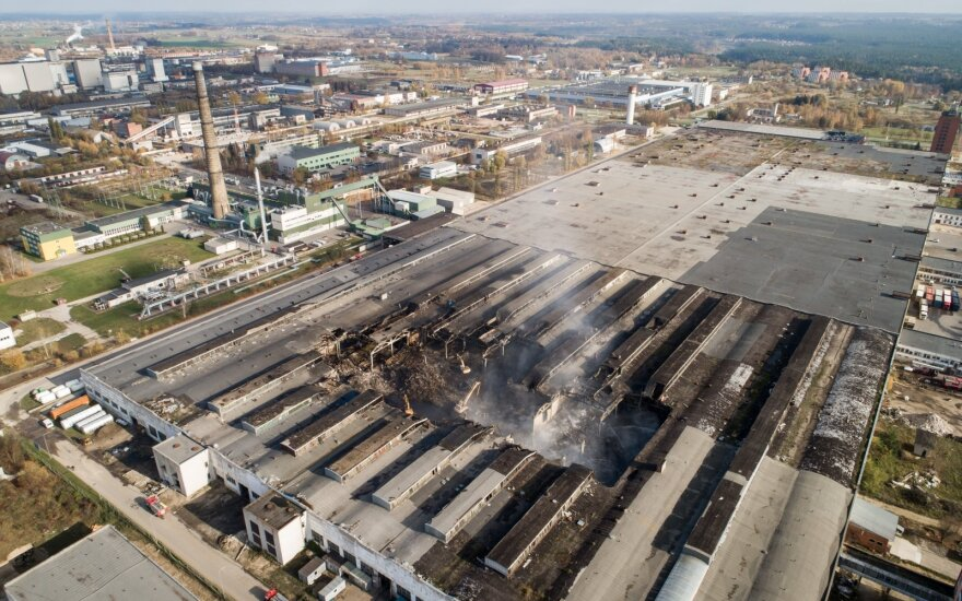 Министр: после пожара в Алитусе важно гарантировать непопадание загрязненных продуктов на рынок