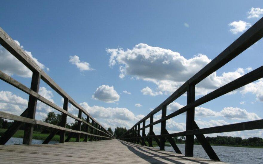 Мост рухнул на глазах у комиссии