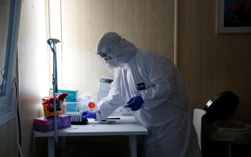 За последние сутки в Литве диагностировали 1056 случаев коронавируса