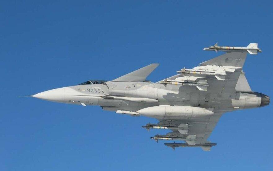 Истребители НАТО в Литве сопровождали рассийский самолeт-разведчик