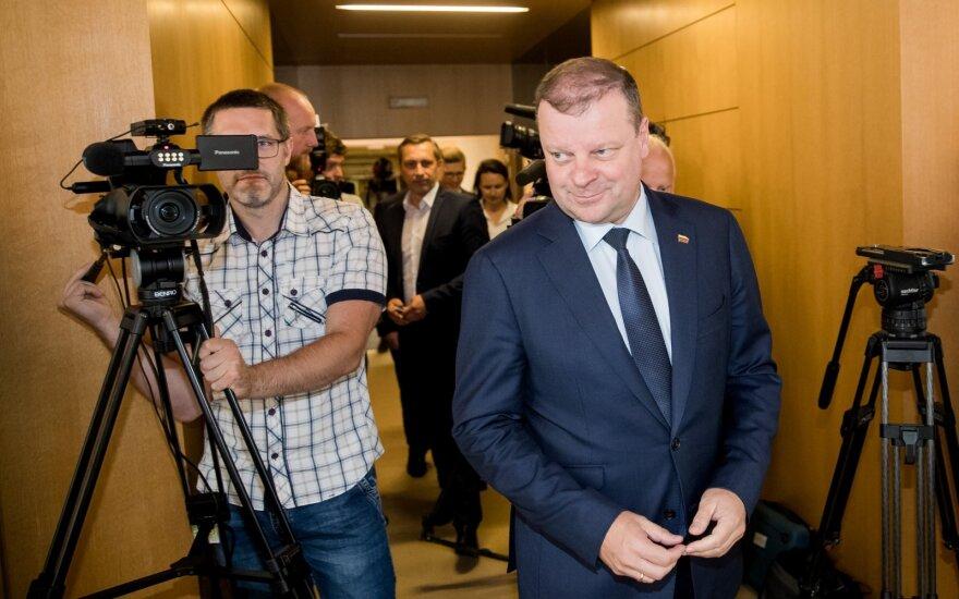 Премьер-министр Литвы остается на своем посту