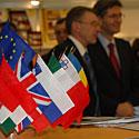 Gediminas Kirkilas, Leonardas Orbanas, Europos Sąjungos valstybių vėliavos