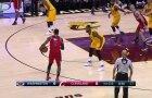 Tobulas J. Wallo pirmasis kėlinys rungtynėse su NBA čempionais