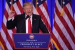 """D. Trumpo patarėjas: JAV """"laimėtų prekybos karą"""""""