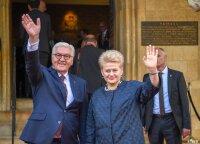 Lietuvos prezidentė Dalia Grybauskaitė atsiėmė prestižinį apdovanojimą už taiką