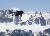 Žmogus skraiduolis Yvesas Rossy sklendė virš Dolomitinių Alpių Italijoje