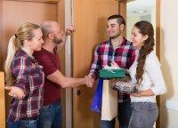 Pasibaisėtino svečių elgesio pavyzdžiai ir patarimai, kaip neužsitraukti šeimininkų rūstybės