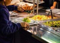 Naujoji Vyriausybė palaiko sprendimą skirti nemokamą maitinimą visiems antrokams