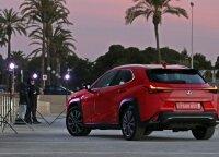 """Naujo """"Lexus UX"""" testas: aukščiausia klasė japonų supratimu"""