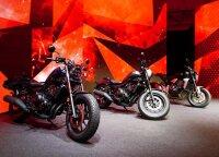 """EICMA parodoje """"Honda"""" dviračių transporto priemonių mėgėjams pažėrė naujienų"""