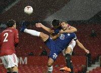 """Anglai pyksta ant VAR: neįžvelgė imtynių veiksmo, vėl kenkė ir """"Liverpool"""" klubui"""