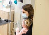 Išgirdus dukros diagnozę visas gyvenimas išslydo iš po kojų: gydytojai išpildė mergaitės svajonę vaikščioti