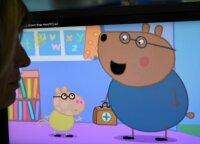 """""""Kiaulaitė Peppa"""" kelia diskusijas: pateikė visus """"už"""" ir """"prieš"""", ar šis filmukas tinkamas vaikams"""
