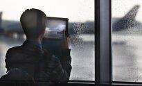 Гражданский журналист lifenews через приложение lifecorr прислал в редакцию видео из салона лайнера, где нетрезвые супруги устроили дебош, который вскоре перерос в драку.