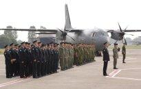 Aviacijos bazės vado pasikeitimo ceremonija