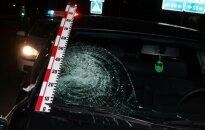 """Gatvėje išnirusią neblaivią moterį kliudė ką tik pirktas """"VW Passat"""""""