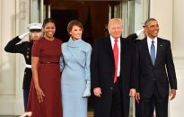 Akvaizdžiausias Trumpų ir Obamų skirtumas: kūno kalba atskleidė daugiau nei žodžiai