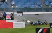 """""""Formulė-1"""": S. Vetteliui – vėl bauda, M. Ericssonas – ligoninėje"""