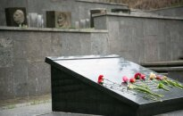 Prosecutors ask Vilnius authorities to step up protection of Pilsudski's heart grave