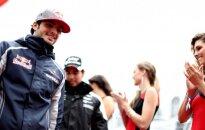 """C. Sainzas toliau atstovaus """"Toro Rosso"""""""
