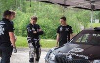 """B. Vanagas ir """"General Financing team Pitlane"""" technikų komanda prieš Žemaitijos ralį keitė automobilio nustatymus"""