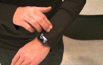 """Vokietijoje vykstančioje """"CeBIT"""" parodoje – išmanieji marškiniai ir biure perdirbamas popieriaus"""