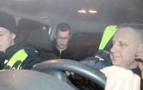 Ieškomas jaunuolis pats su trenksmu prisistatė policijos pareigūnams