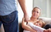 Žmoną ir nepilnametę dukrą sumušęs girtas palangiškis atsidūrė už grotų