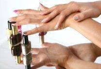 7 patarimai, norinčioms sveikų ir gražių nagų